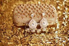 Boucle d'oreille précieuse de mode de gemme avec des gemmes de diamants avec Cryst brillant Images libres de droits
