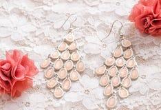 Boucle d'oreille rose Photographie stock libre de droits