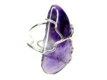 Boucle de bijou avec les cristaux amethyst lumineux Photo libre de droits