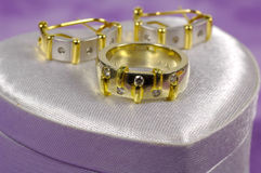 Boucle de diamant et Earings image stock