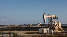 Boucle de vidéo de laps de temps de puits de pétrole de Pumpjack banque de vidéos