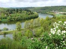 Boucle Moselle rzeka w Liverdun wydzia?owy Meurthe i Moselle fotografia stock