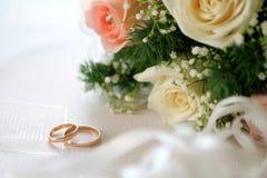 Boucles d'or de mariage Photo libre de droits