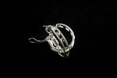 Boucles d'oreille argentées avec des cristaux Photographie stock libre de droits