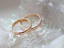 Boucles de mariage 2 Images stock