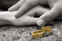 Boucles de mariage 4 photos libres de droits