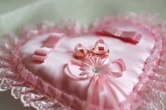 Boucles de mariage d'or Lizenzfreies Stockfoto