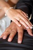 Boucles de mariage neuves Images libres de droits
