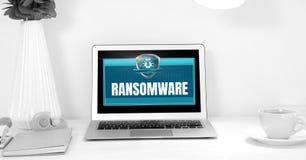 Bouclier de protection de sécurité de Ransomware sur l'ordinateur portable Images stock