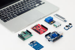 Boucliers électroniques pour le développement de dispositifs Photos libres de droits