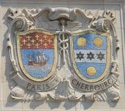 Boucliers de mosaïque de villes portuaires renommées Paris et Cherbourg à la façade des lignes Pacifiques construction des Etats- Photo stock