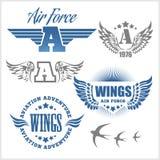 Boucliers et labels de l'Armée de l'Air avec des ailes Photo stock