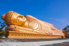Bouddha étendu Photos stock