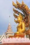 Bouddha avec un naga au-dessus de sa tête Photo libre de droits