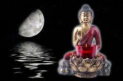 Bouddha avec une lune Photographie stock libre de droits