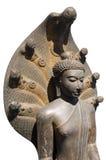 Bouddha couronné abrité par le capot du Naga Images libres de droits
