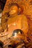Bouddha d'or 4, Byodo-Dans le temple Photos stock