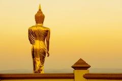 Bouddha d'or chez Wat Phra That Kao Noi photo libre de droits