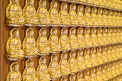 Bouddha d'or dans le temple chinois Photo libre de droits