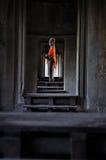 Bouddha dans le couloir Photos stock