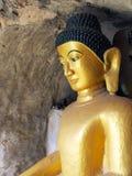 Bouddha dans le temple de Shite-thaung, Mrauk U, sous région du secteur de Sittwe, Rakhine, Myanmar. Image libre de droits