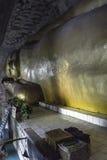 Bouddha dans le vieux monastère Photographie stock