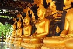 Bouddha dans un temple de la Thaïlande Photos libres de droits