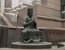Bouddha en bronze à l'entrée au musée de corneille de l'art asiatique à Dallas du centre, le Texas photo stock