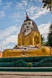 Bouddha s'asseyant en Kyaw Aung San Dar Monastery, Amarapura, Mandalay, Myanmar images stock