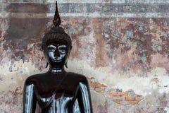 Bouddha Wat Suthat Thepwararam - à Bangkok, Thaïlande Photos stock