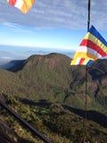 Bouddhist-Flagge im Berg Stockbilder