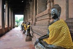 Bouddhiste au temple du Laos Photographie stock libre de droits