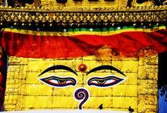 Boudhanath o Bodnath Stupa con gli occhi di Buddha o i Wi Fotografia Stock