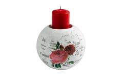 Bougeoir élégant avec la bougie rouge et inscriptions au sujet de l'amour Image libre de droits