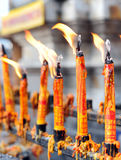 Bougie au temple de bouddhisme Images libres de droits