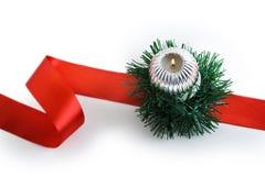 Bougie brûlante avec des décorations de Noël Images stock