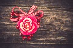 Bougie, décoration de Saint-Valentin Photographie stock libre de droits
