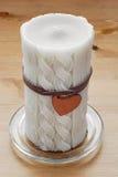 Bougie décorative avec peu de coeur d'amour Photographie stock libre de droits