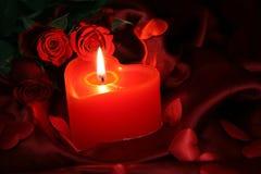 Bougie de coeur avec la rose de rouge I Photographie stock libre de droits