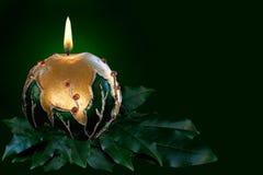 Bougie de Noël d'or photos libres de droits