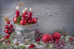 Bougie de Noël de quatre rouges Images libres de droits