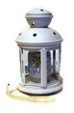 Bougie légère sous la forme d'une lanterne en style maritime et perles Photographie stock libre de droits