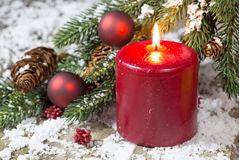Bougie rouge de Noël Images stock
