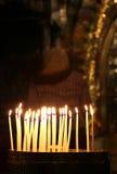 Bougies à l'église de la tombe sainte image stock