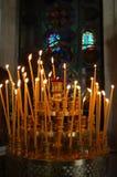 Bougies à l'église de Titus de saint à Héraklion, Crète Photographie stock