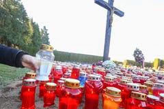 Bougies alignées sur le plancher Images libres de droits