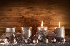 Bougies argentées pour les 2 arrivée Photo libre de droits