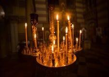 Bougies d'église d'international photographie stock