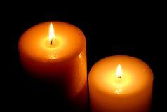 Bougies d'isolement sur le noir   Photographie stock libre de droits