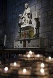 Bougies dans Notre Dame, Paris Images libres de droits